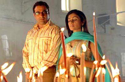 Sahil Chadha and Meera Vasudevan in a still from the movie Thodi Life Thoda Magic