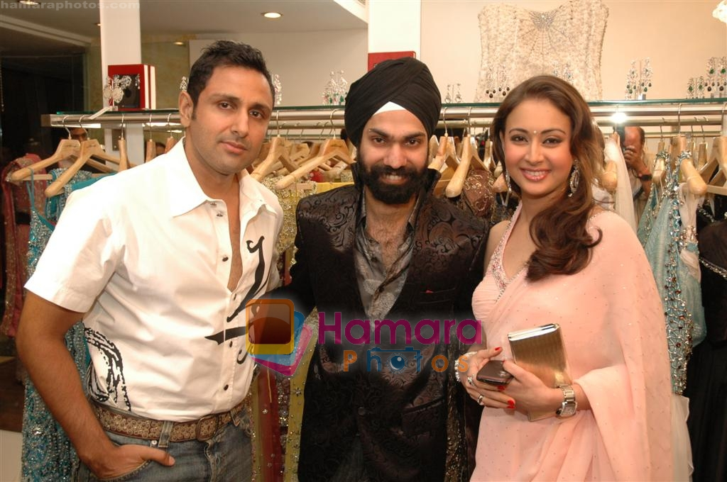 Preeti Jhangiani at the launch of A D Singh's store in Delhi on June 28th 2008