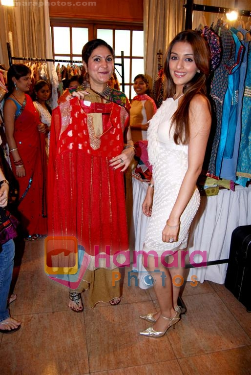 Aarti Chabbria at Femina Clothes show in The Club on June 28th 2008