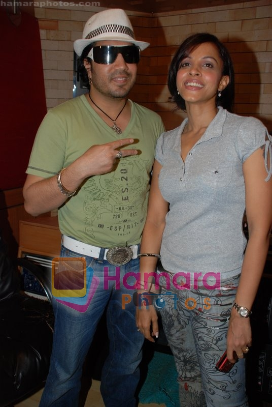 Mansi Scott, Mika Singh at the recording of Mansi Scott's debut album with Mika Singh at MEET Brothers recording studio on 27th June 2008