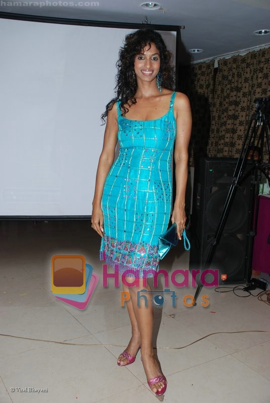 Sandhya Shetty with ZICOM at World Cup 83 Bash in Khar Gymkhana on July 11th 2008