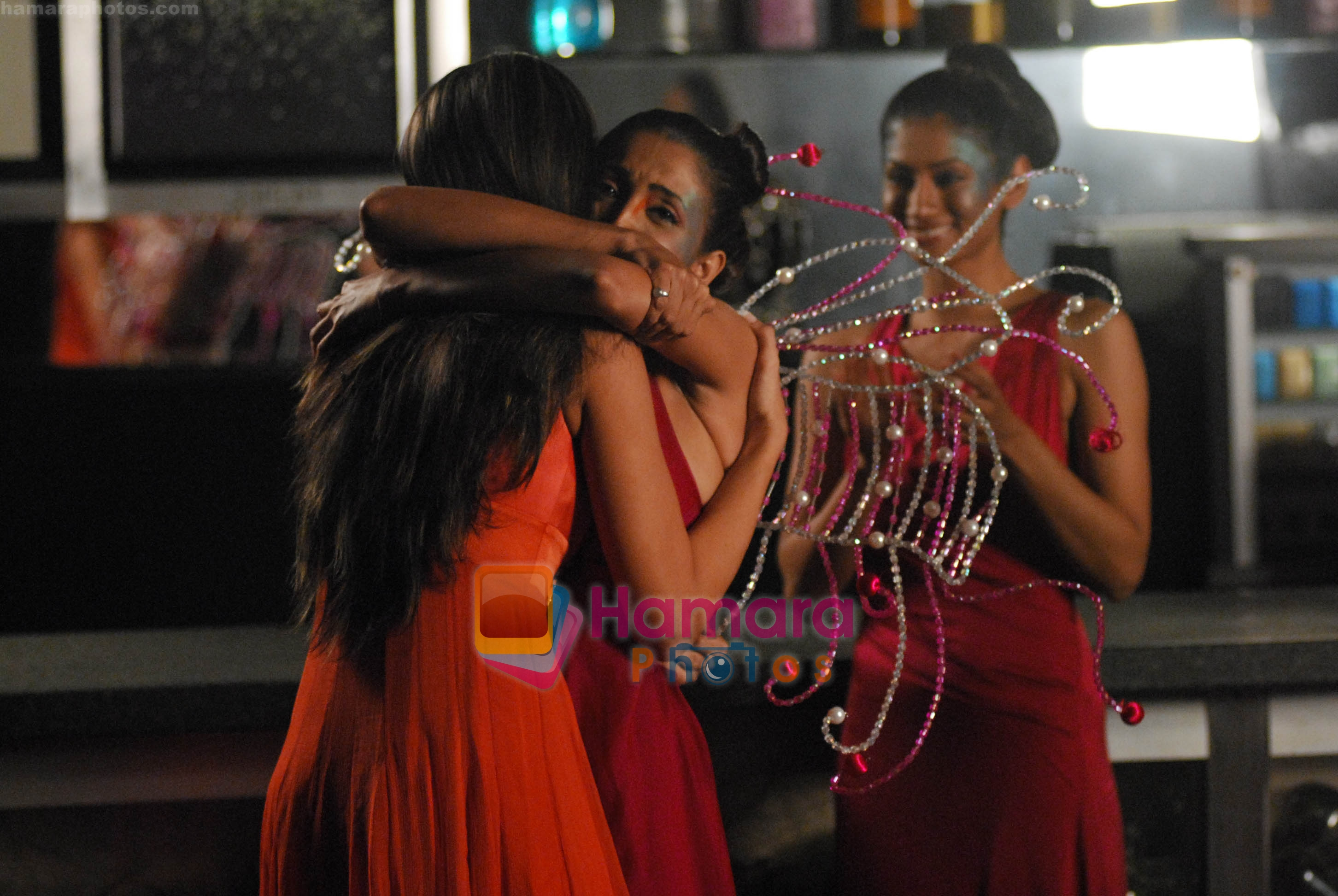 Iris Maity Gets Gorgeous in Channel V on July 26th 2008