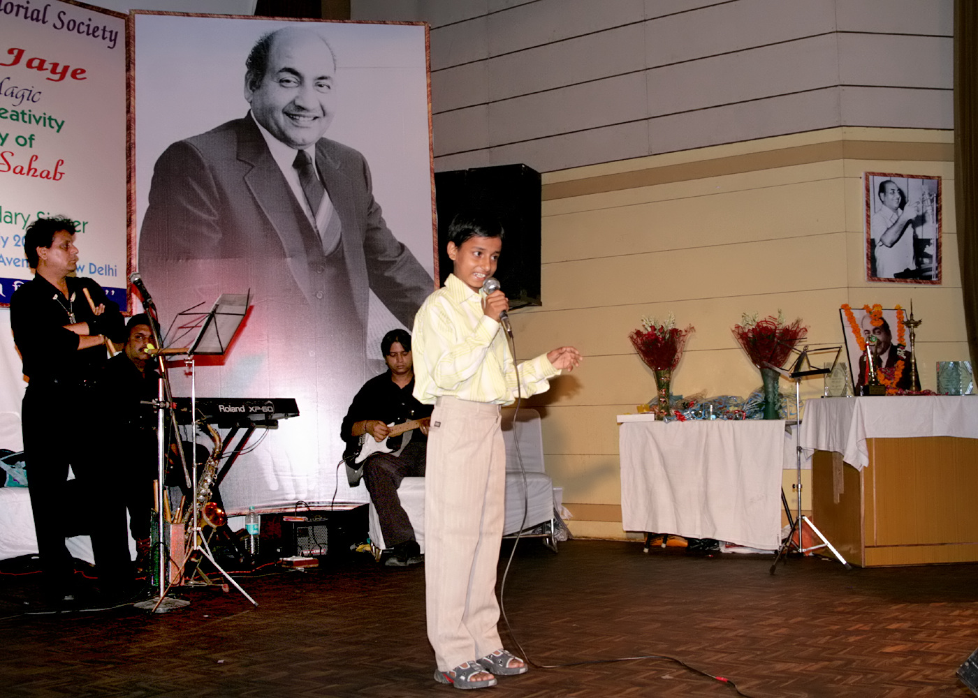 19(300708)-A young artist performing Rafi Sahab�s song