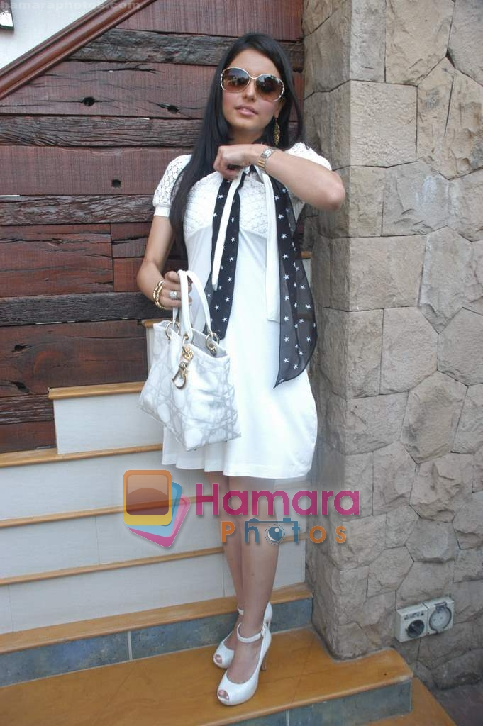Aamna Shariff at Aloo Chaat press meet in Blue Waters on 1st November 2008
