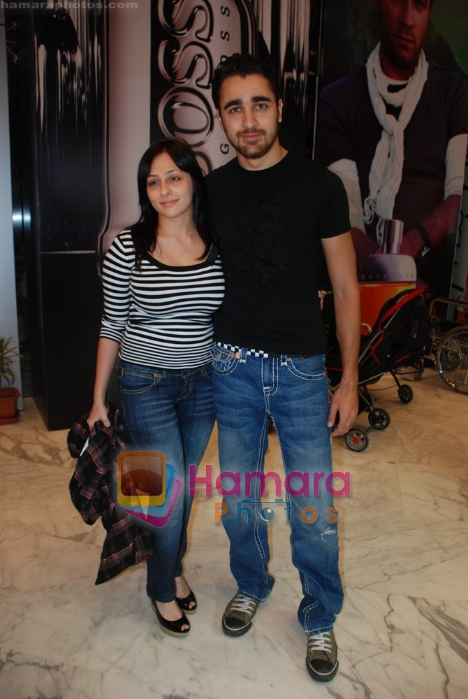 Imran Khan, Avantika at exclusive screening of Ghajini in PVR on 24th December 2008