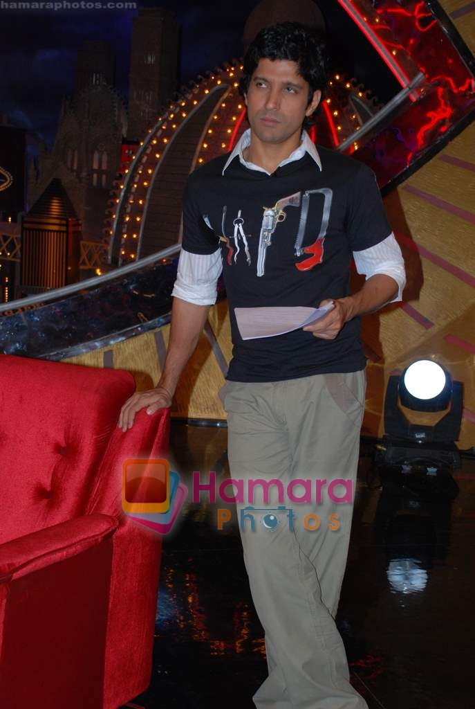 Farhan Akhtar on the sets of Farhan Akhtar's Oye its Friday in Yash Raj Studios on 25th December 2008
