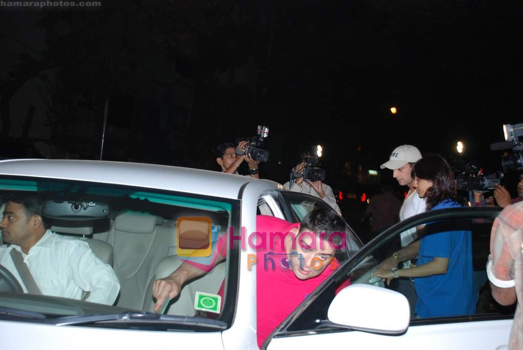 Isha Koppikar visits Saif Ali Khan who has been admitted for Intestine pain in Lilavati Hospital on 25th December 2008
