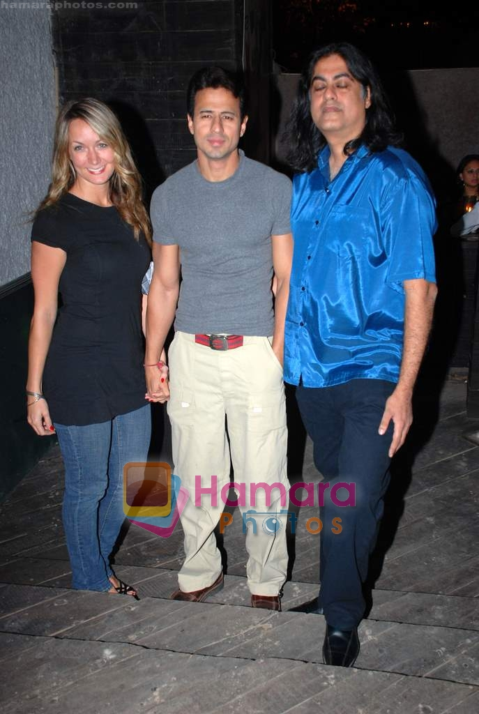 Aryan Vaid at Vie Lounge New Year's pre-bash on 29th December 2008