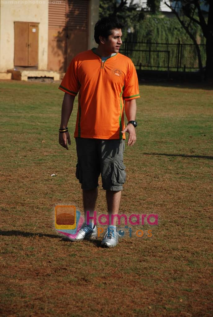 Mohit Suri at the event to promote football training at Jamnabhai  grounds in juhu on 29th December 2008