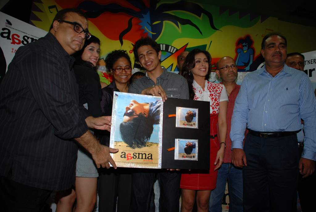 Rajkumar Santoshi, Subhashish Mukherjee, Hrishita Bhatt, Seema Biswas at the Audio release of Aasma - The Sky Is The Limit in Planet M on 30th December 2008