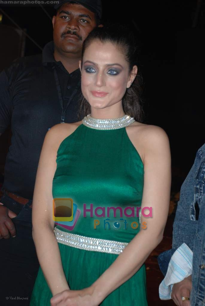 Amisha Patel at Country Club bash in Andheri on 31st December 2008