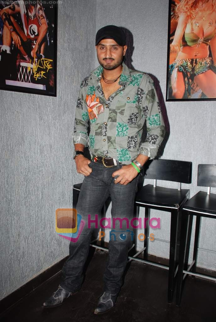 Harbhajan Singh at new club Ice & Mint launch in Juhu on 3rd Jan 2009
