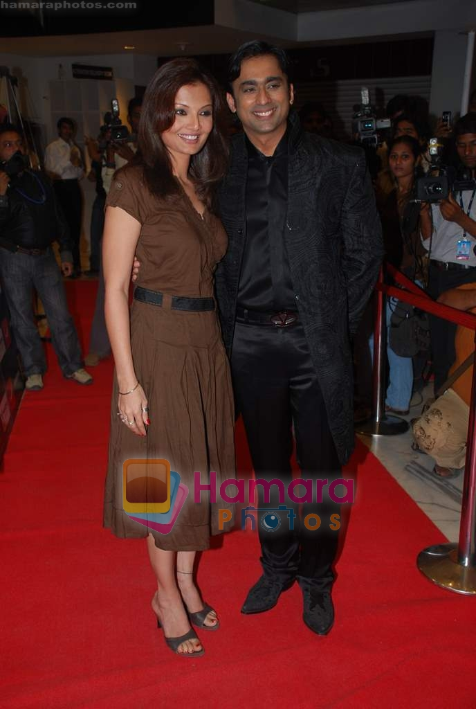 Deepshikha, Anuj Saxena at the Premiere of Aloo Chaat in PVR, Juhu on 19th March 2009