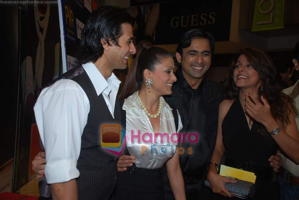 Apoorva Agnihotri, Shilpa Saklani, Anuj Saxena, Bhavana Balsavar at the Premiere of Aloo Chaat in PVR, Juhu on 19th March 2009