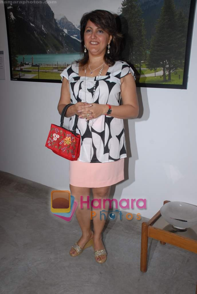Raell Padamsee at Dr. Batra's Art Exhibition in Mumbai on 19th March 2009