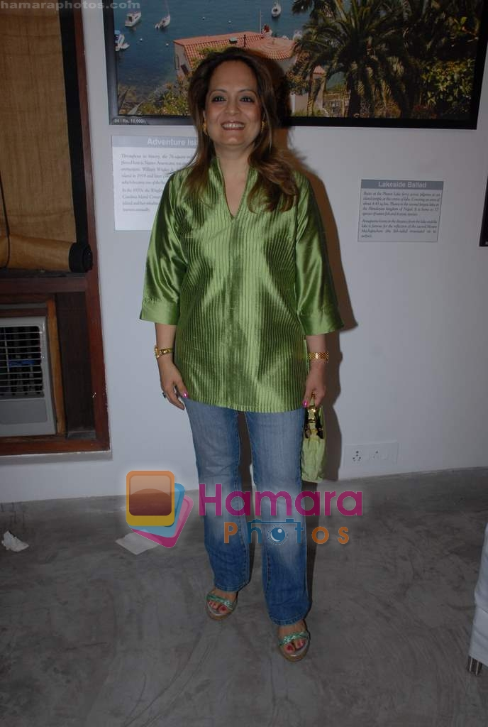 Asha Patel at Dr. Batra's Art Exhibition in Mumbai on 19th March 2009
