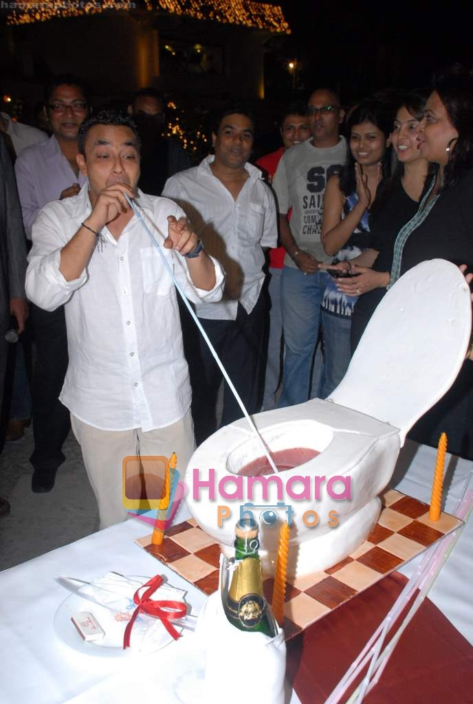 Amit Saxena at the completion party of film Tina Ki Chabi in Sun N Sand on 20th March 2009 ~0