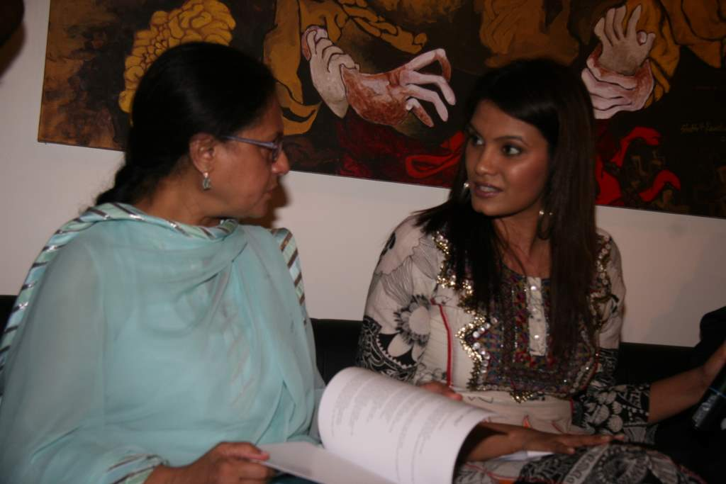 Jaya Bachchan, Diana Hayden at Shobojit Kaushal art event organised by CPAA in Worli on 23rd March 2009