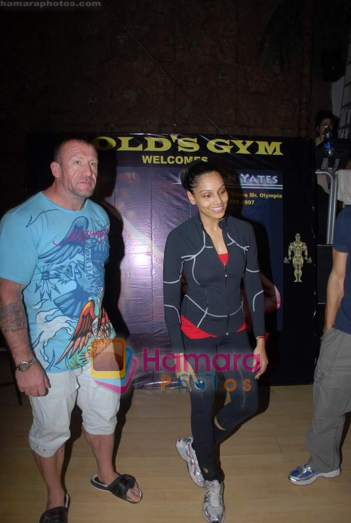 Bipasha Basu, Dorian Yates at Gold Gym event in Bandra on 23rd March 2009