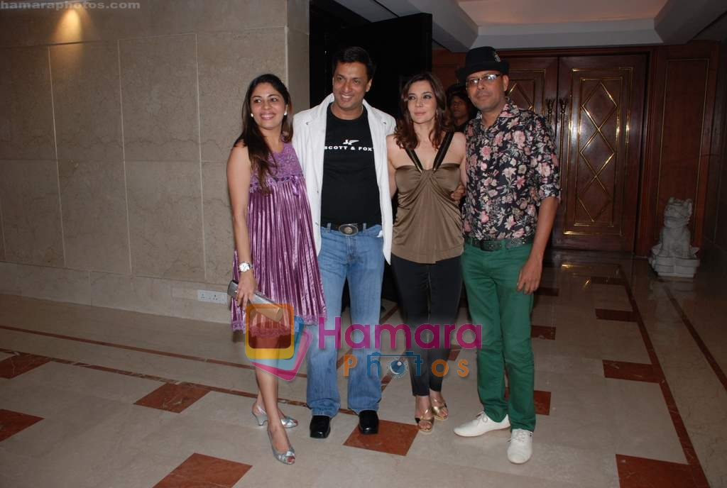 Madhur Bhandarkar, Renu Bhandarkar, Narendra Kumar Ahmed at Kangana's birthday bash in Bling on 23rd March 2009