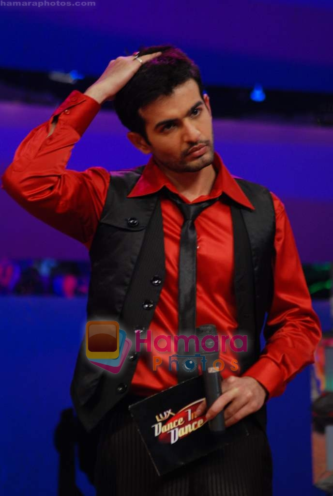 Jay Bhanushali on the sets of Dance India Dance in Famous Studios on 23rd March 2009