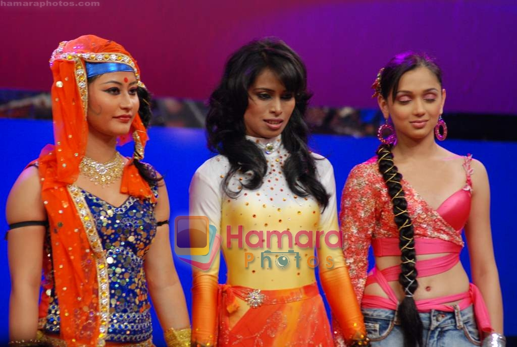 on the sets of Dance India Dance in Famous Studios on 23rd March 2009
