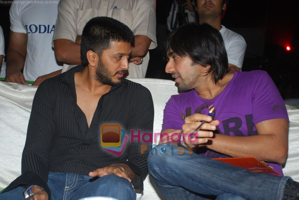 Ritesh Deshmukh and Aashish Chaudhry judge RGIT dance contest in Renaissance Club, Mumbai on 24th March 2009