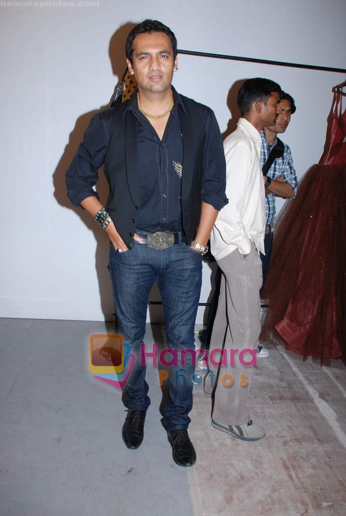 Marc Robinson at Lakme Fashion week fittings in Drand Hyatt on 25th March 2009