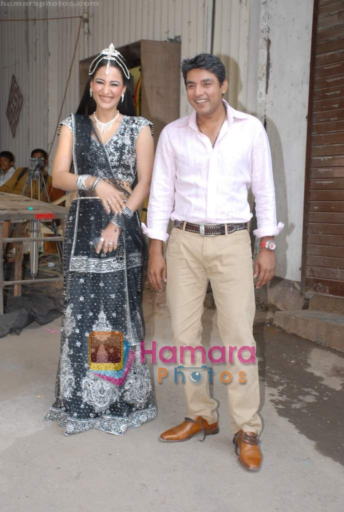Rakshanda Khan, Ajay Jadeja on the sets of Comedy Circus in Andheri on 25th March 2009