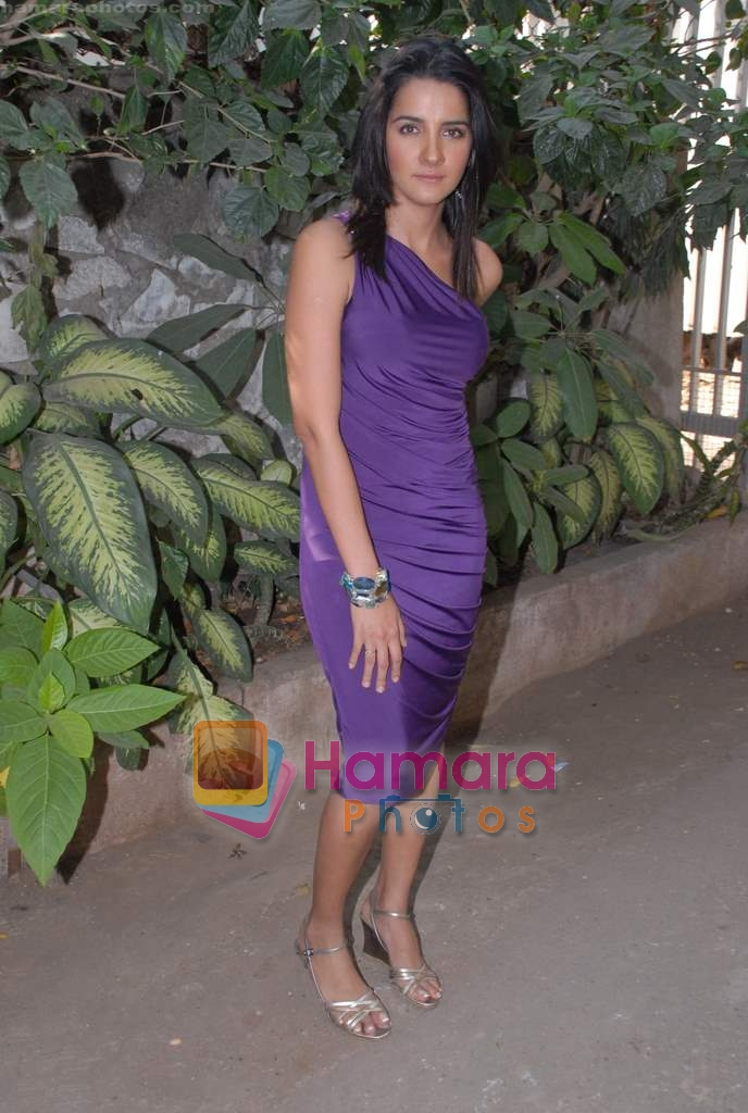 Shruthi Seth on the sets of Comedy Circus in Andheri on 25th March 2009