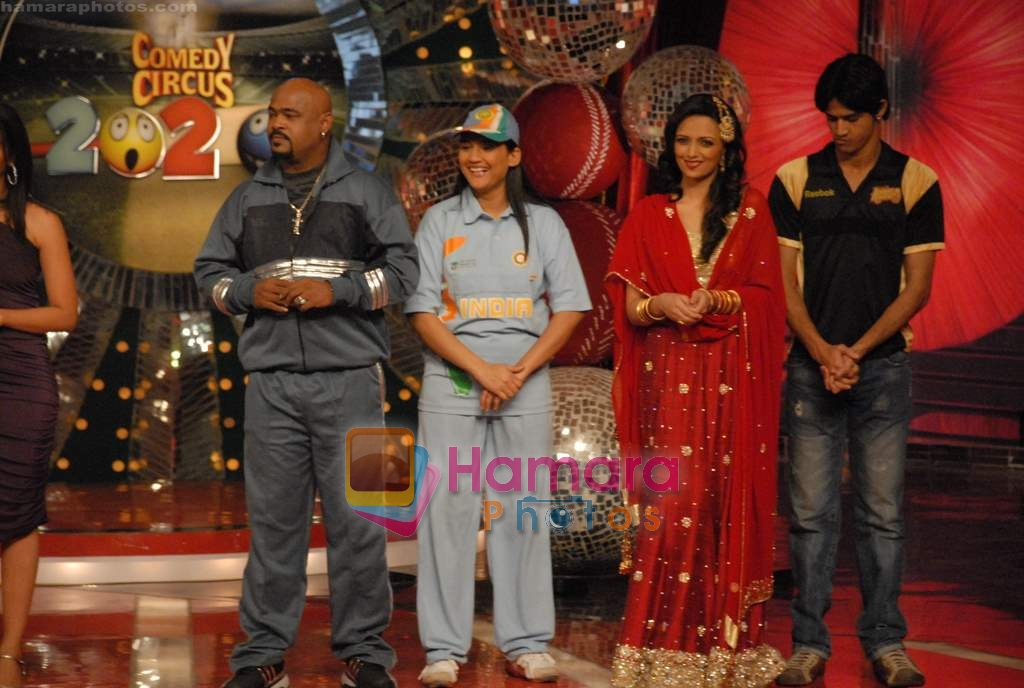 Roshni Chopra, Vinod Kambli on the sets of Comedy Circus in Andheri on 25th March 2009