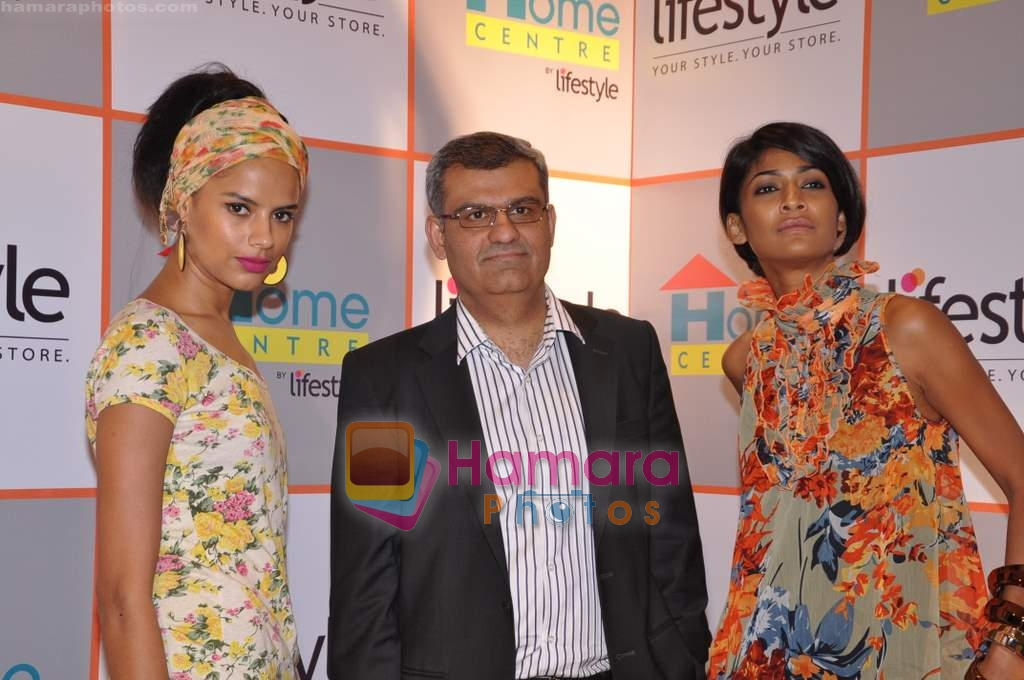 Carol Gracias and Bhavna Sharma launch Lifestyle and Home Centre in Ghatkopar, Lifestyle Store on 26th March 2009