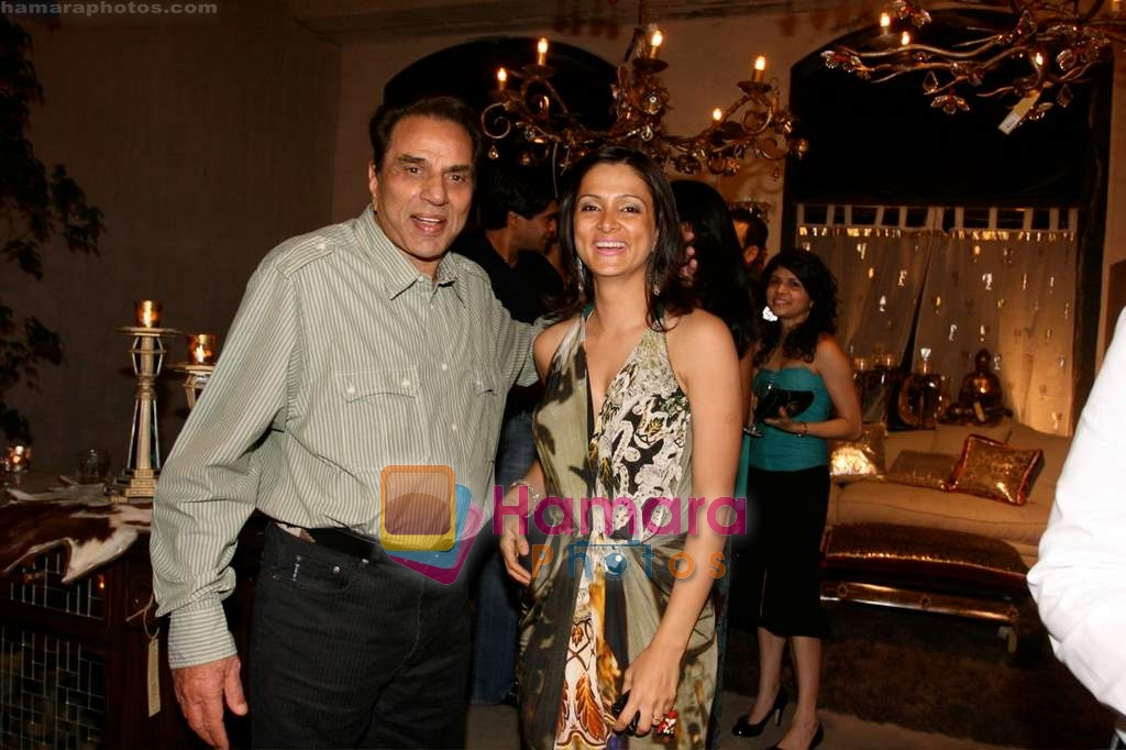 Dharmendra, Tania Deol at Tania Deol's interiors at Good Earth on 4th April 2009