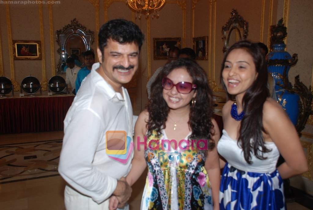Rajesh Khattar, Vandana Sajnani at Imperial Palace hotel launch on 21st June 2009