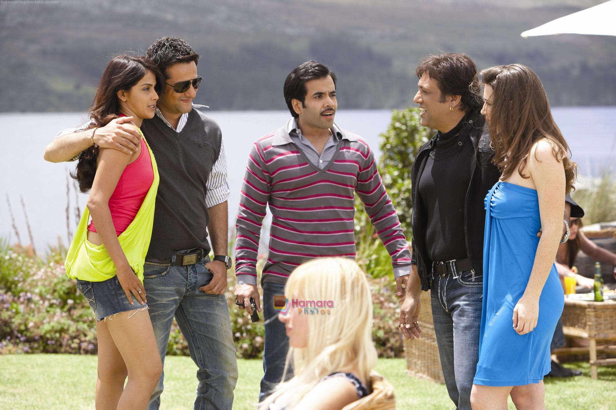 Fardeen Khan, Genelia D souza, Tusshar Kapoor in the still ... Genelia D Souza In Life Partner