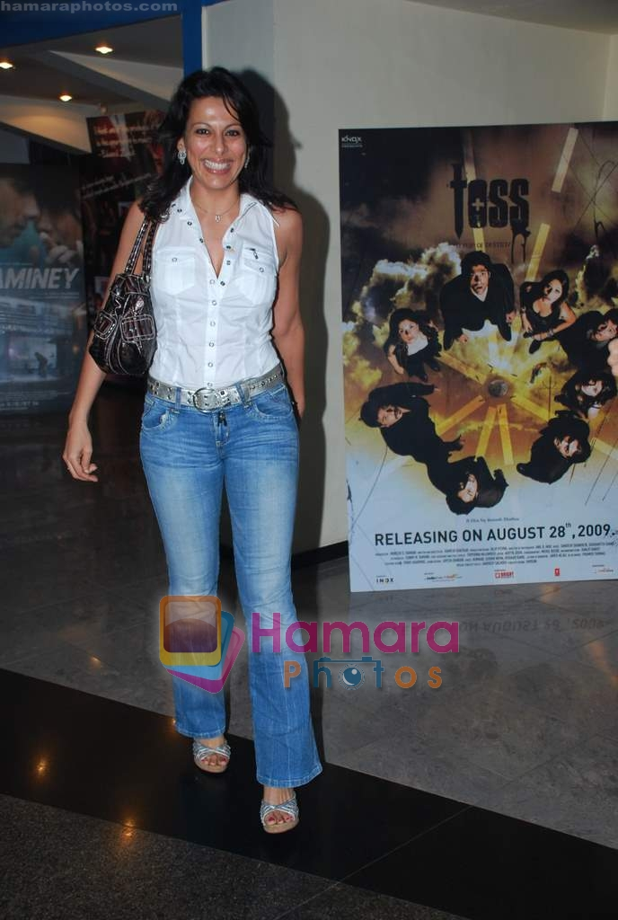 Pooja Bedi at Public Enemies premiere in Fame on 6th Aug 2009