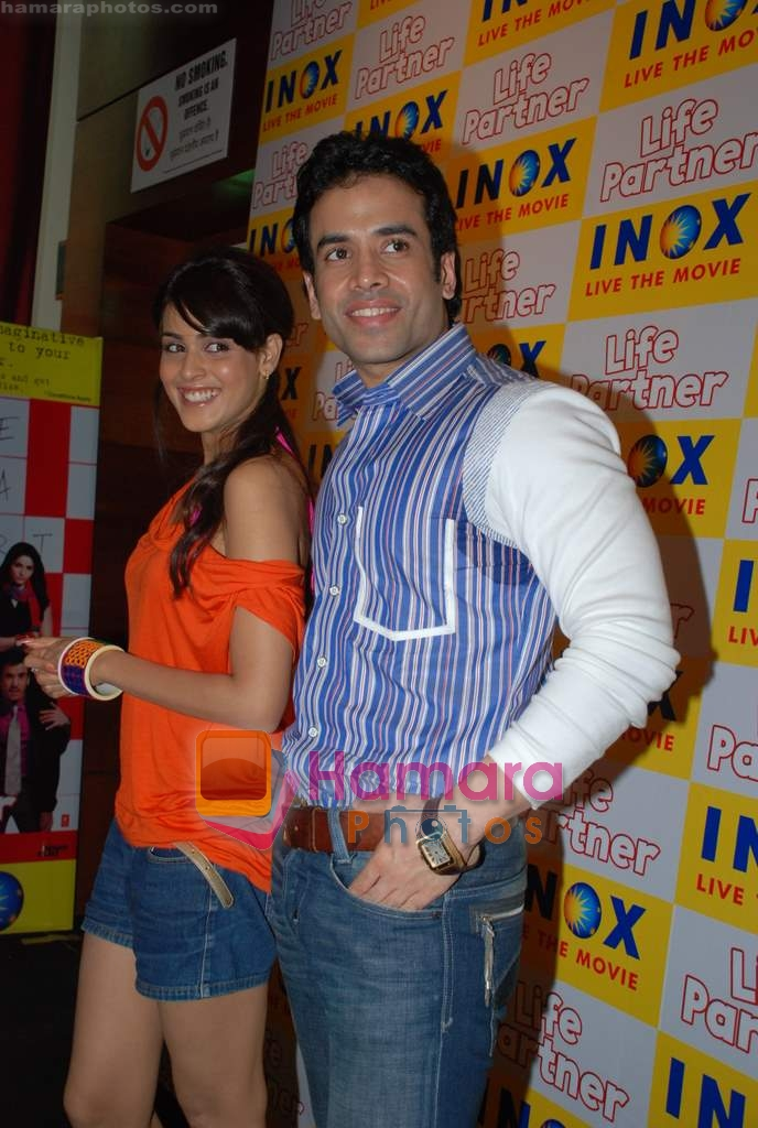 Genelia D Souza, Tusshar Kapoor promote Life Partner in INOX on 11th Aug 2009