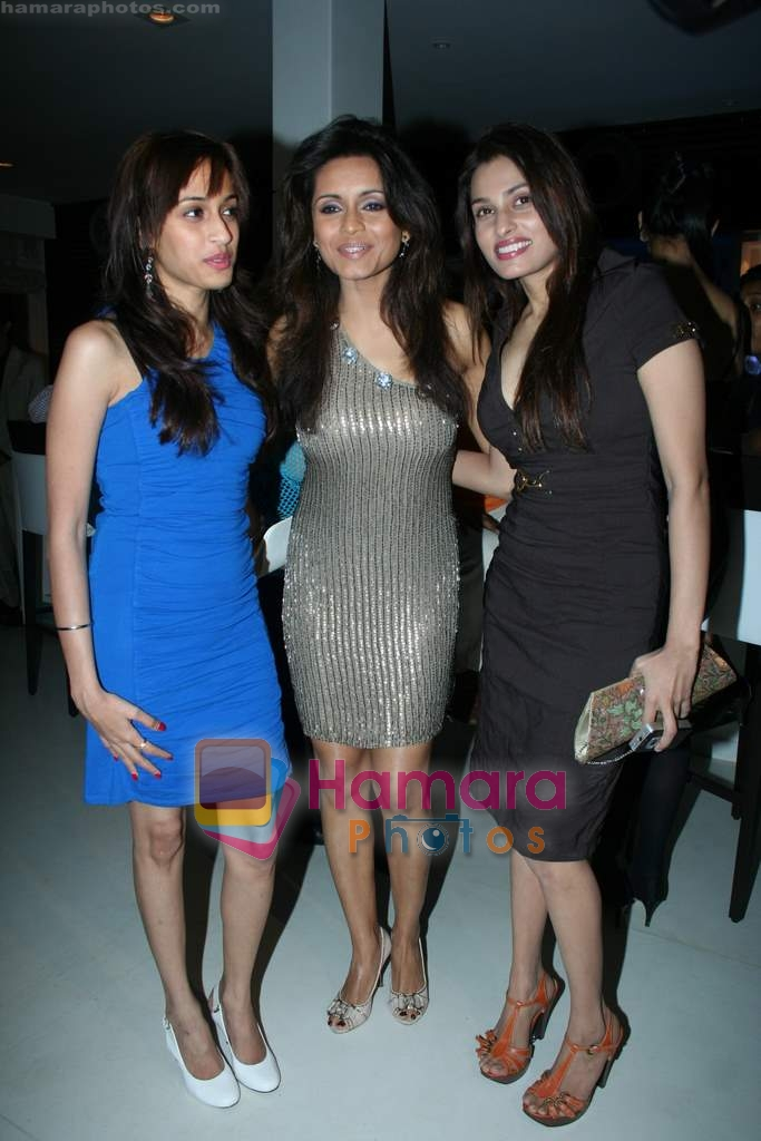Bhavna Pani, Shweta Pandit at Bhavna Pani's birthday bash in Puro on 12th Aug 2009