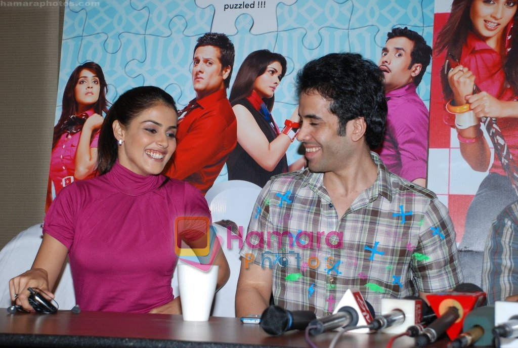 Genelia D Souza, Tusshar Kapoor promote life partner on 12th Aug 2009
