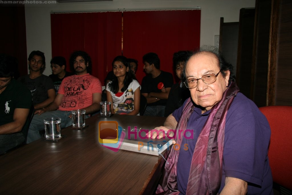 at Roshan Taneja acting classes in Andheri, Mumbai on 13th Aug 2009