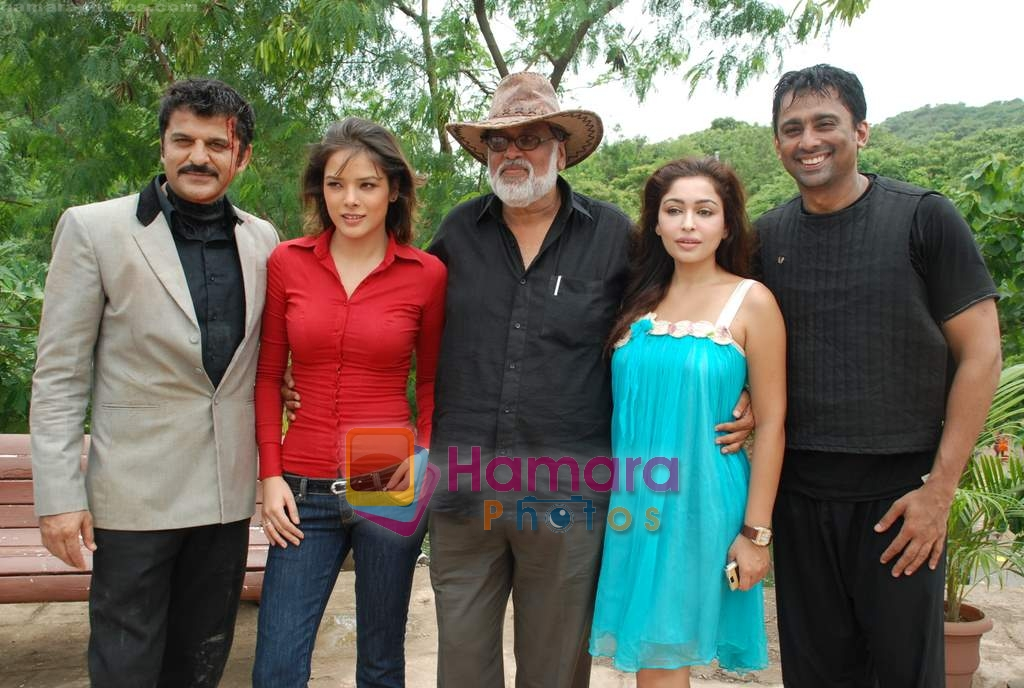 Udita Goswami, Anuj Saxena, Jag Mundhra, Rajesh Khattar, Trina Patel at Film Chase on location in FilmCity on 13th Aug 2009
