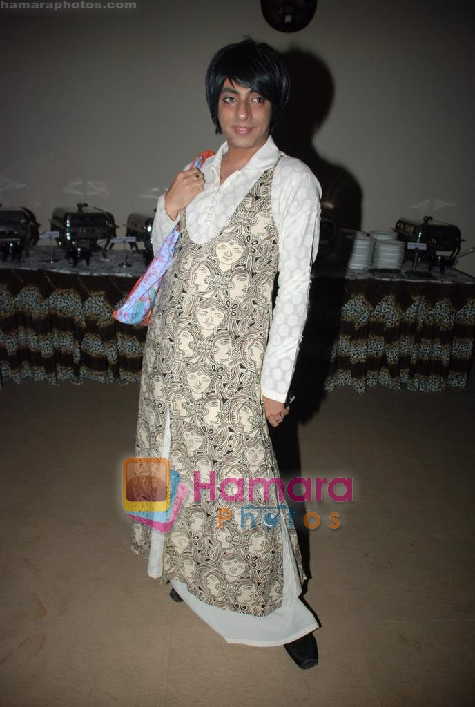 Rohit Verma at Daboo Mallik's bash in Marimba Lounge on 14th Aug 2009