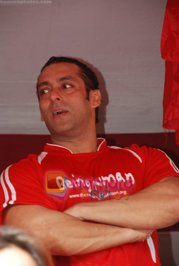 Salman Khan at Being Human soccer match in Bandra on 15th Aug 2009