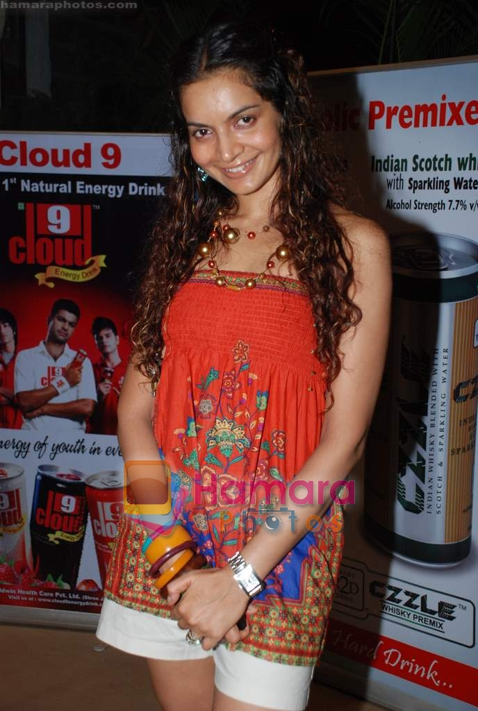 Shweta Kawatra at Daboo Mallik's bash in Marimba Lounge on 14th Aug 2009