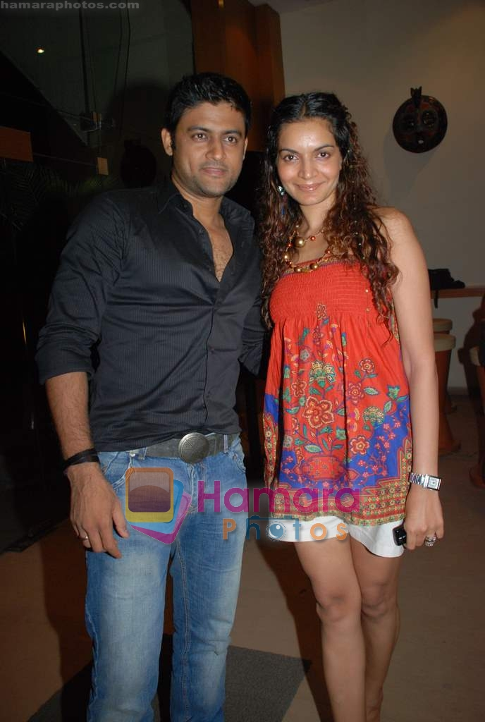 Manav Gohil, Shweta Kawatra at Daboo Mallik's bash in Marimba Lounge on 14th Aug 2009