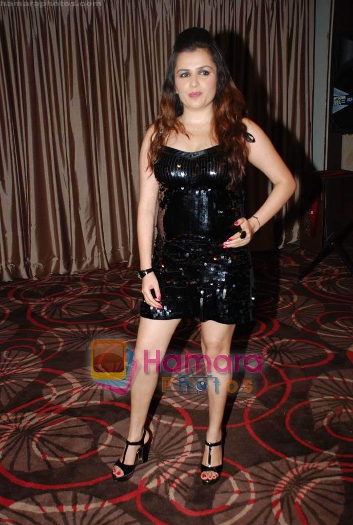 Tara at Tara's birthday bash in Sahara Star on 15th Aug 2009