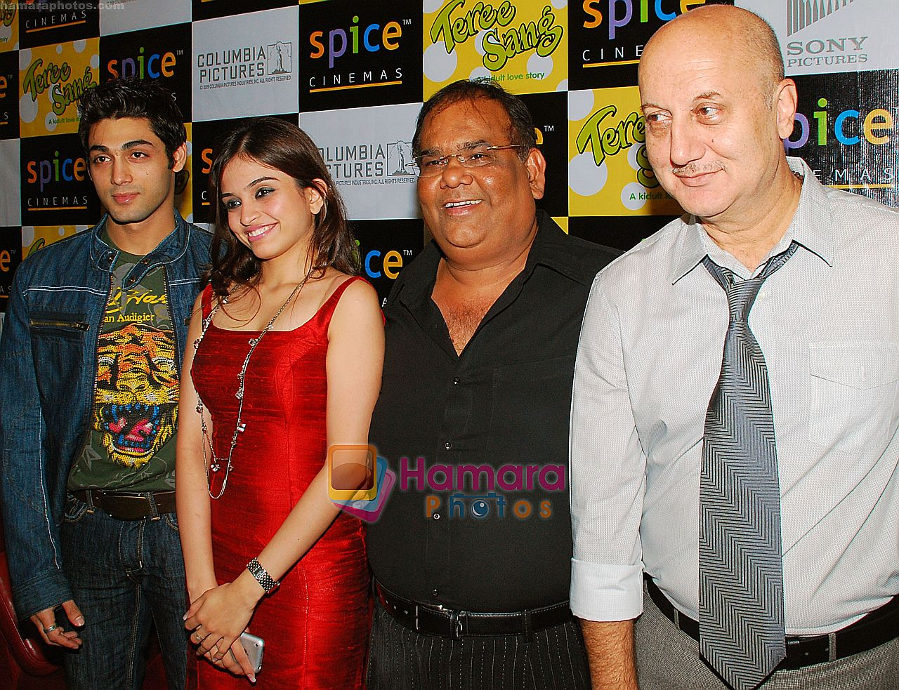 Satish Kaushik, Sheena, Ruslaan Mumtaz, Anupam Kher at the Press Conference and Premiere of film Teree Sang in Spice World, Noida on 6th Aug 2009