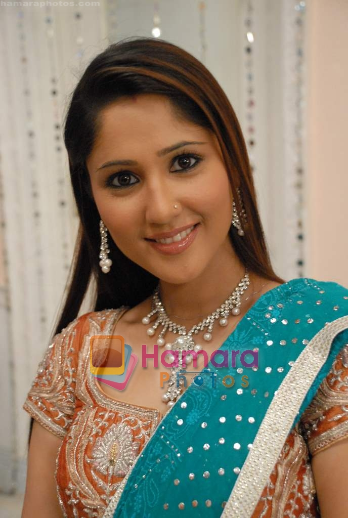Damini Anand in the Serial Basera on NDTV Imagine