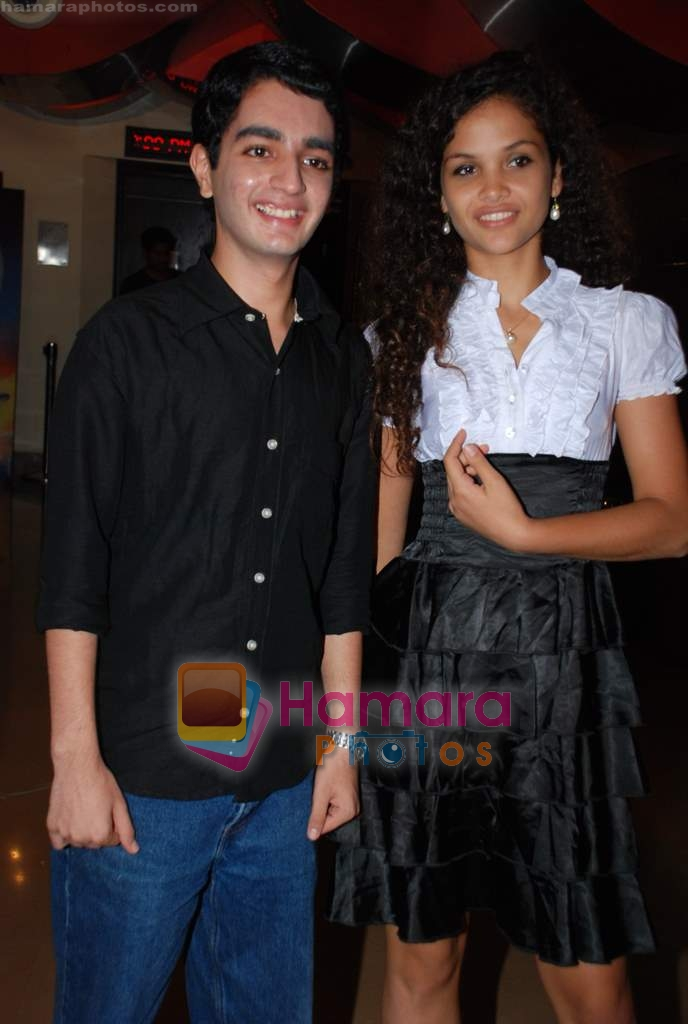 Ayesha Kapur, Parzun Dastur at Sikandar promotional event in PVR on 17th Aug 2009