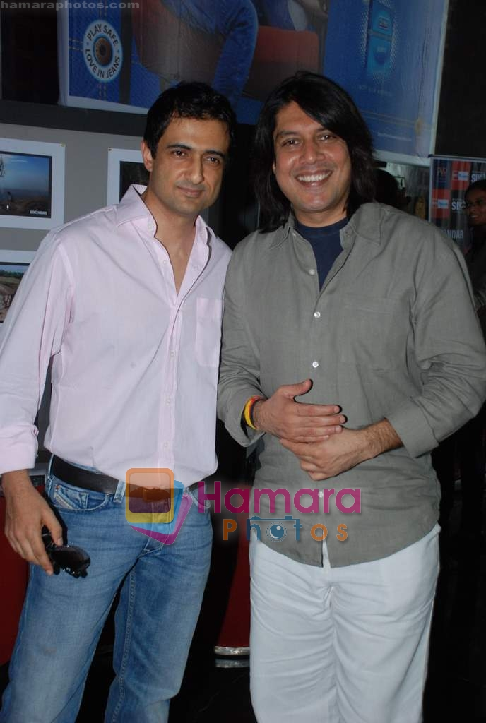 Sanjay Suri, Piyush Jha at Sikandar promotional event in PVR on 17th Aug 2009